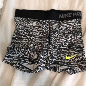 Animal print Nike pros